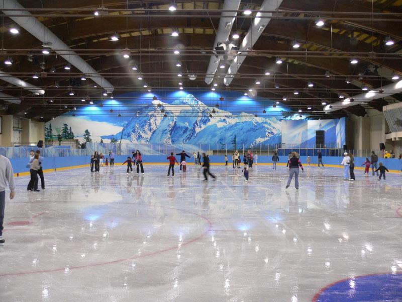 Катание на ледовых коньках на катках Нижнего Новгорода
