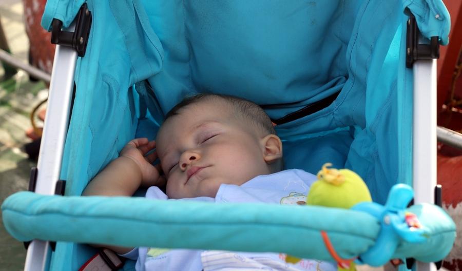 Как выбрать детскую коляску в Казани?