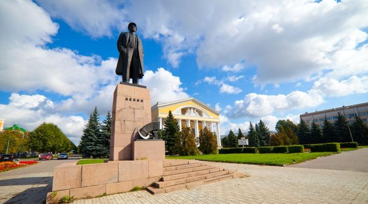 фото в памятник ленину йошкар-оле